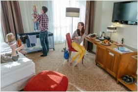 Corso Hotel Pecs, Twin room