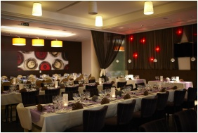 Corso Hotel Pecs, Weddingmeal setting - Pecs
