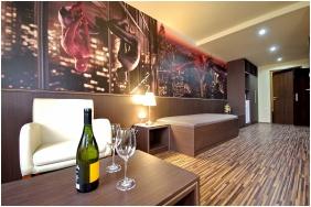Comfort famly room, Corvn Hotel, yula