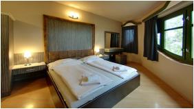 Corvin Hotel,  - Gyula
