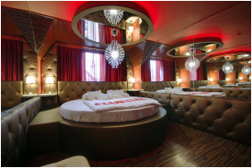 - Corvin Hotel