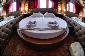 Corvin Hotel, Gyula