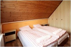 Comfort kétágyas szoba, Csillagtúra Panzió, Eger