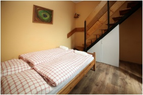 Csillagtura Pension, Room for four people