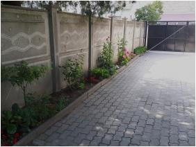 Csóka Apartman, Belső kert - Pápa