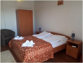 D&A Apartment House - Eerszalok