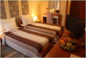 Dom Hotel, Szeged, Twin room