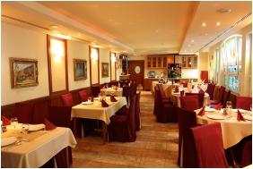 Dom Hotel, Restaurant