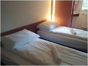 Drive Inn Hotel, Standard szoba
