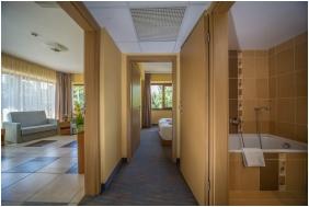 Duna Hotel, Paks, Saroklakoszály