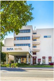 Duna Hotel, Bejárat - Paks