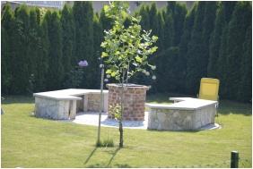 EMAN Apartmenthouse, Buk, Bukfurdo, Garden