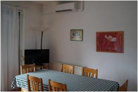 - EMAN Apartmenthouse
