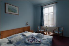 Erzsébet Park Hotel, Parádfürdô, Franciaágyas szoba