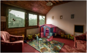 Playing room for children, Park Hotel Erzsebet, Paradfurdo