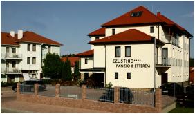 Hotel Ezusthid, Veszprem, Exterior view