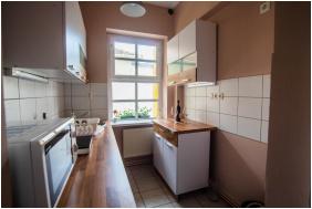 Fészek Apartmanház, szobabelső - Gyula