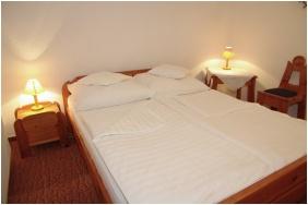 Hotel Fodor Halaszcsarda, Ğyula, Sleepınğ room