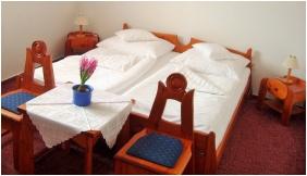 Comfort kétágyas szoba, Fodor Hotel Halászcsárda, Gyula