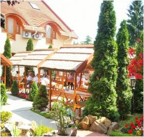 Hotel Fodor Halaszcsarda, İnner ğarden - Ğyula