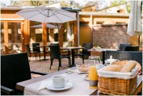 Fonix Medical Wellness Resort , Nogradgardony, Open-air terrace