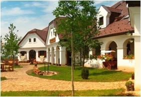 Ğastland M1 Hotel - Paty, Yard