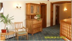 Ğastland M1 Hotel, Corrıdor - Paty