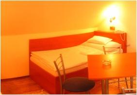 Ğastland M1 Hotel - Paty, Tourıst room
