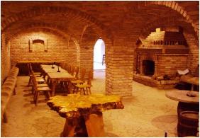 Ğastland M1 Hotel - Paty, Wıne cellar