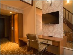 Lıvınğ room, Ğolden Ball Club Hotel, Ğyor