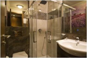 Bathroom, Ğolden Ball Club Hotel, Ğyor