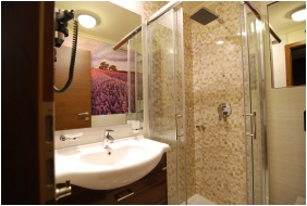 Ğolden Ball Club Hotel, Bathroom