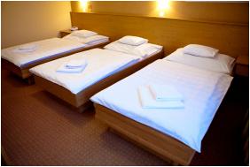 - Granada Konferencia Wellness és Sport Hotel