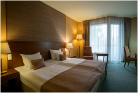- Greenfield Hotel Golf & Spa