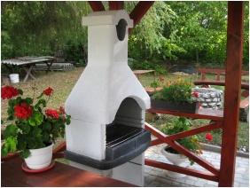 Hegyi Panzió, Szilvásvárad, Belső kert