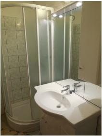 Zuhanyzó - Hegyi Panzió