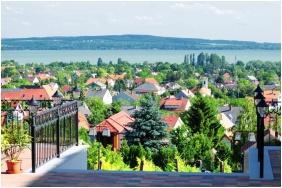 Zenıt Hotel Ğuesthouse, İn the summer