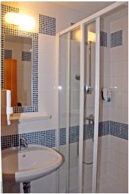 Zenit Hotel Vendégház, Fürdőszoba