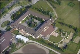 Hetkut Wellness Hotel & Equestrıan Park, Yard