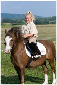 Wellness Hotel & Equestrıan Park Hetkut, Horse rıdınğ
