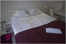 Holiday Hotel Csopak, Kétágyas szoba - Csopak