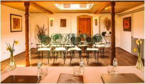 - Homoki Lodge Boutique Hotel