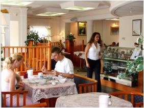Admiral Hotel, Büféreggeli - Keszthely