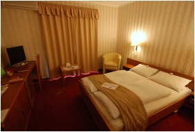 V Lété, Hotel Amadeus, Budapest