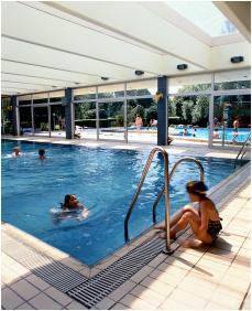 Hotel Annabella, Belső medence