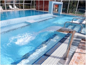 Hotel Aquamarin, Külső medence