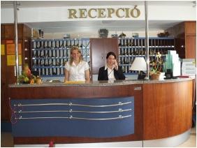 Hotel Aquamarin, Recepció