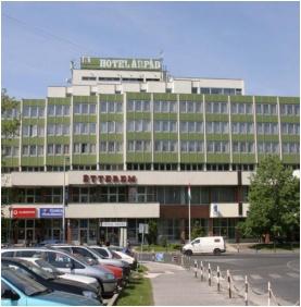 Hotel Árpád, Tatabánya, Épület