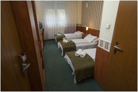Hotel Atlantic, Budapest, Třílůžkový pokoj