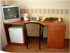 - Hotel Atlantic